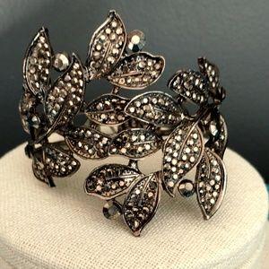 Jewelry - Dark gray statement bracelet